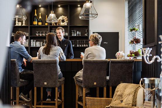 Bar en Lounge Westbay Hotel